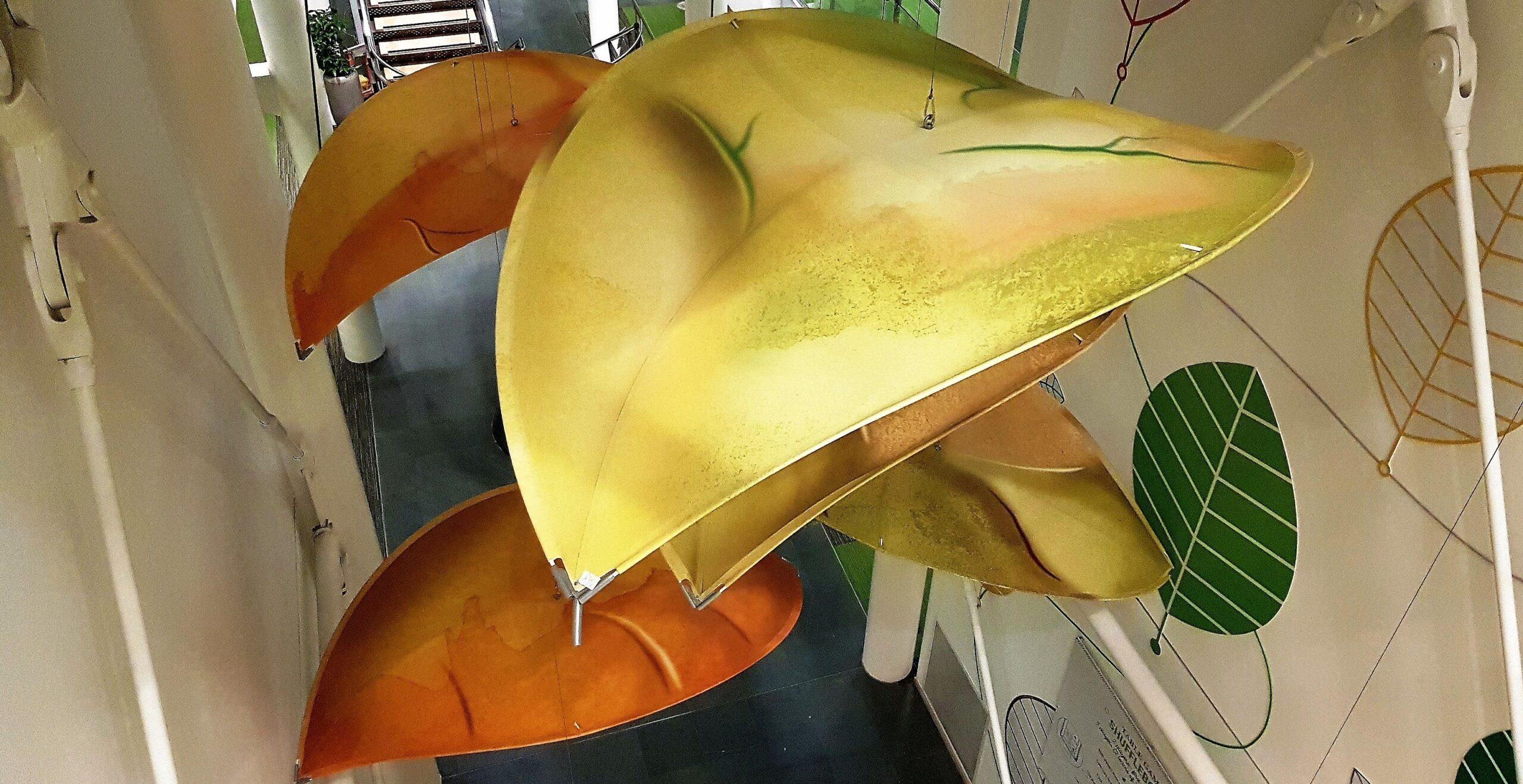 HQ Atrium Leaf Sculpture